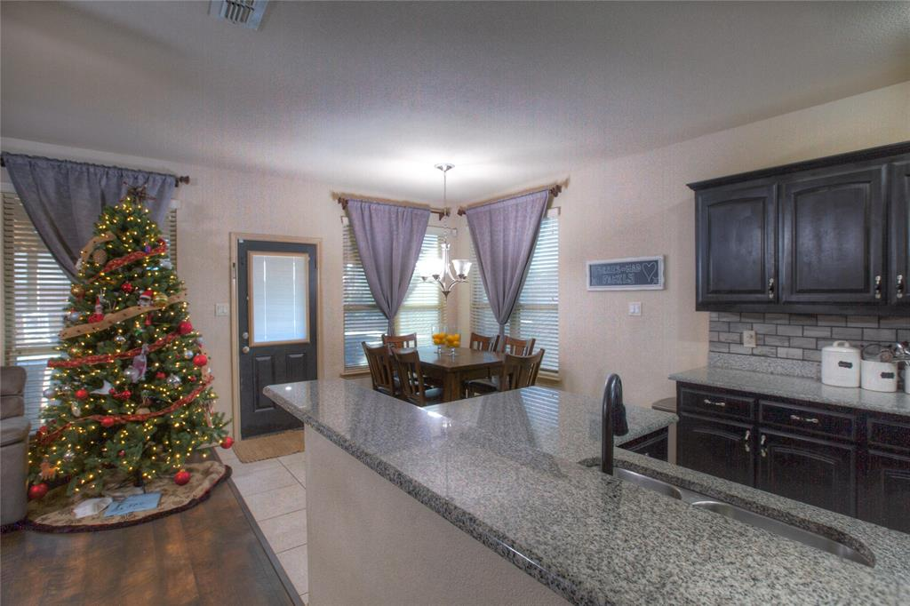 1325 Woodbine Cliff Drive, Fort Worth, Texas 76179 - acquisto real estate best new home sales realtor linda miller executor real estate