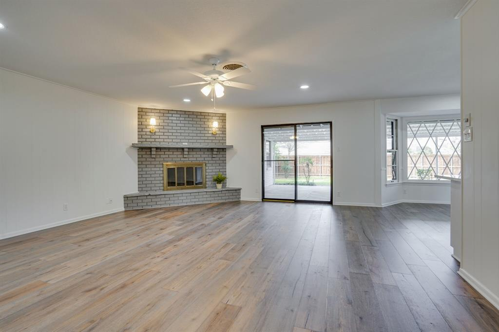400 Plainview Drive, Hurst, Texas 76054 - acquisto real estate best style realtor kim miller best real estate reviews dfw