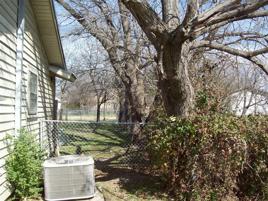 1605 Park Road, Mineral Wells, Texas 76067 - acquisto real estate best realtor dfw jody daley liberty high school realtor