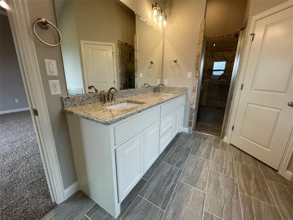 3019 Meandering Way, Granbury, Texas 76049 - acquisto real estate best real estate company to work for