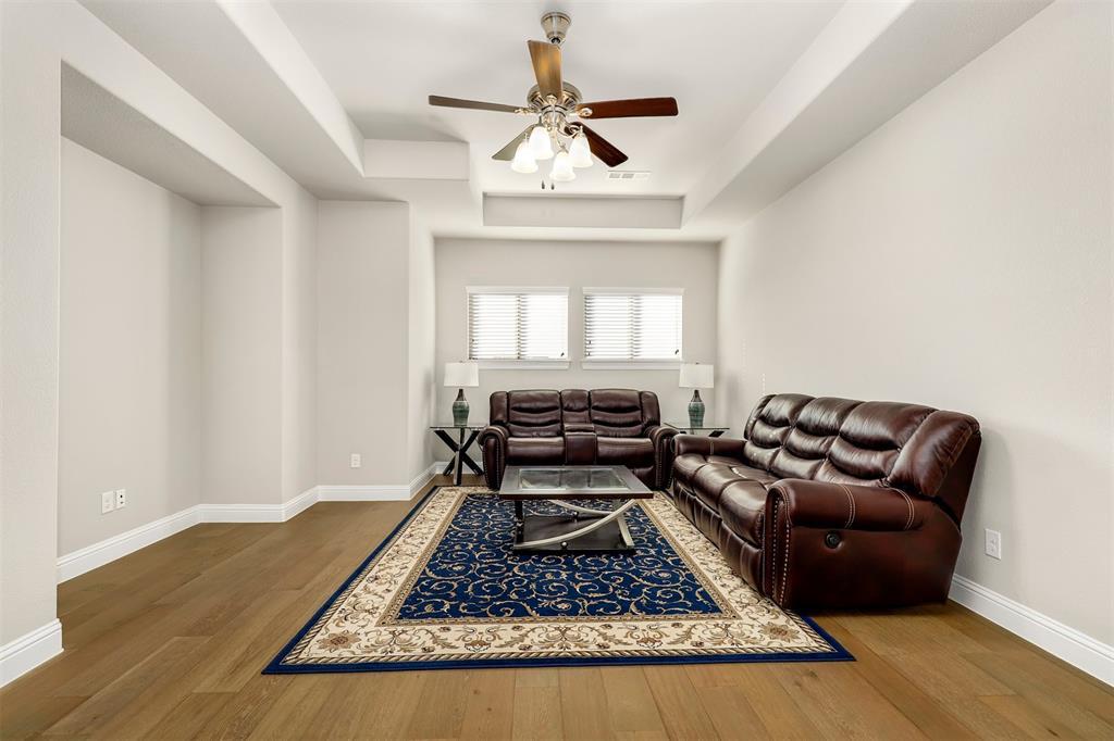 300 Ridgewood Drive, Lewisville, Texas 75067 - acquisto real estate best realtor dfw jody daley liberty high school realtor