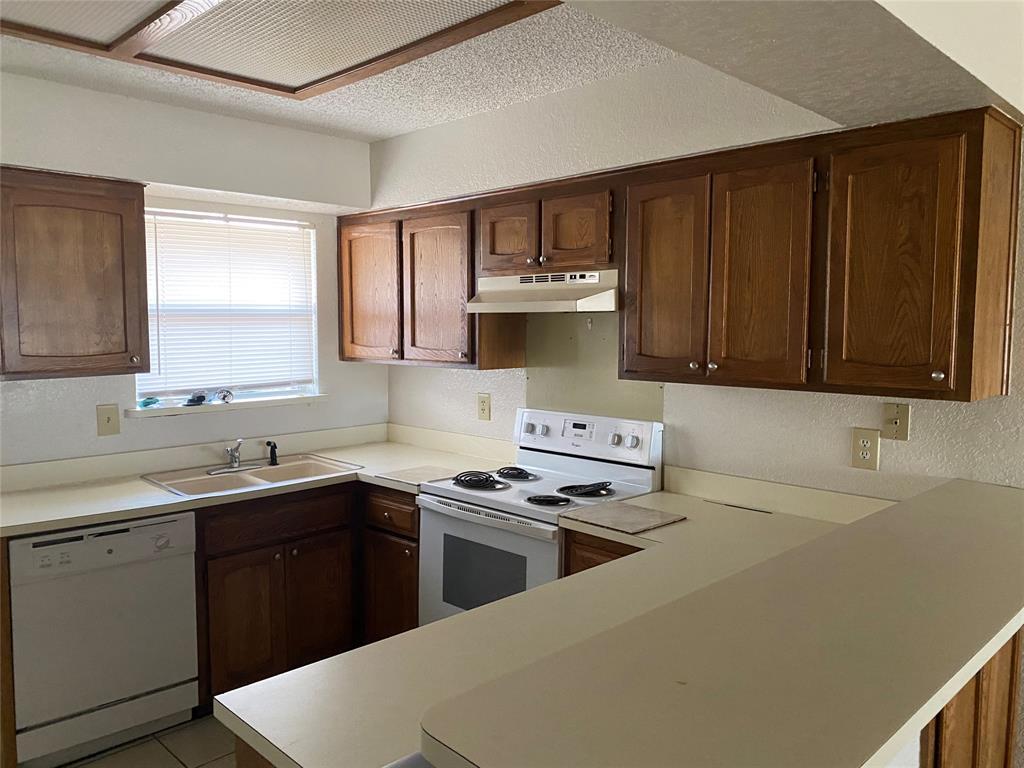616 Cousins Lane, Arlington, Texas 76012 - Acquisto Real Estate best mckinney realtor hannah ewing stonebridge ranch expert