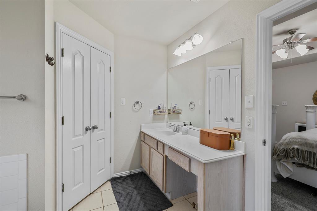 409 Meadowcrest Drive, Azle, Texas 76020 - acquisto real estate best realtor dfw jody daley liberty high school realtor