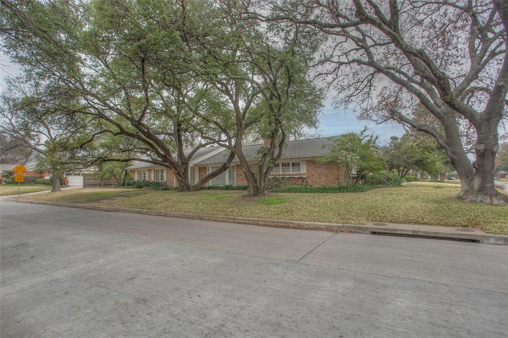 2700 Hartwood Drive, Fort Worth, Texas 76109 - acquisto real estate best allen realtor kim miller hunters creek expert