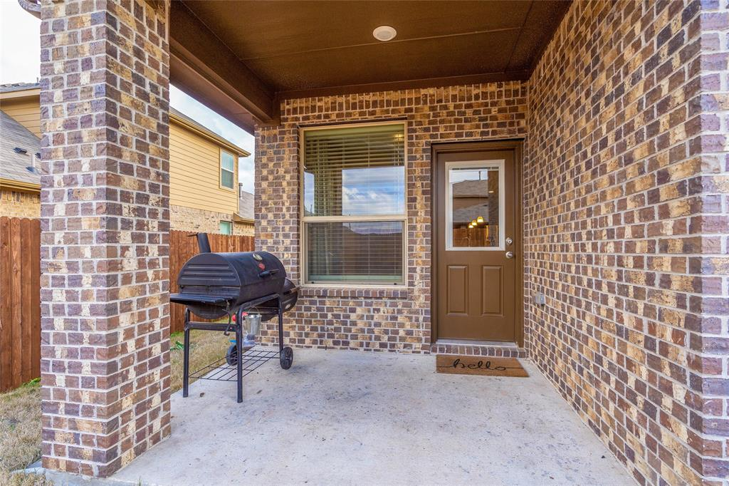 564 Camber Street, Saginaw, Texas 76131 - acquisto real estate agent of the year mike shepherd