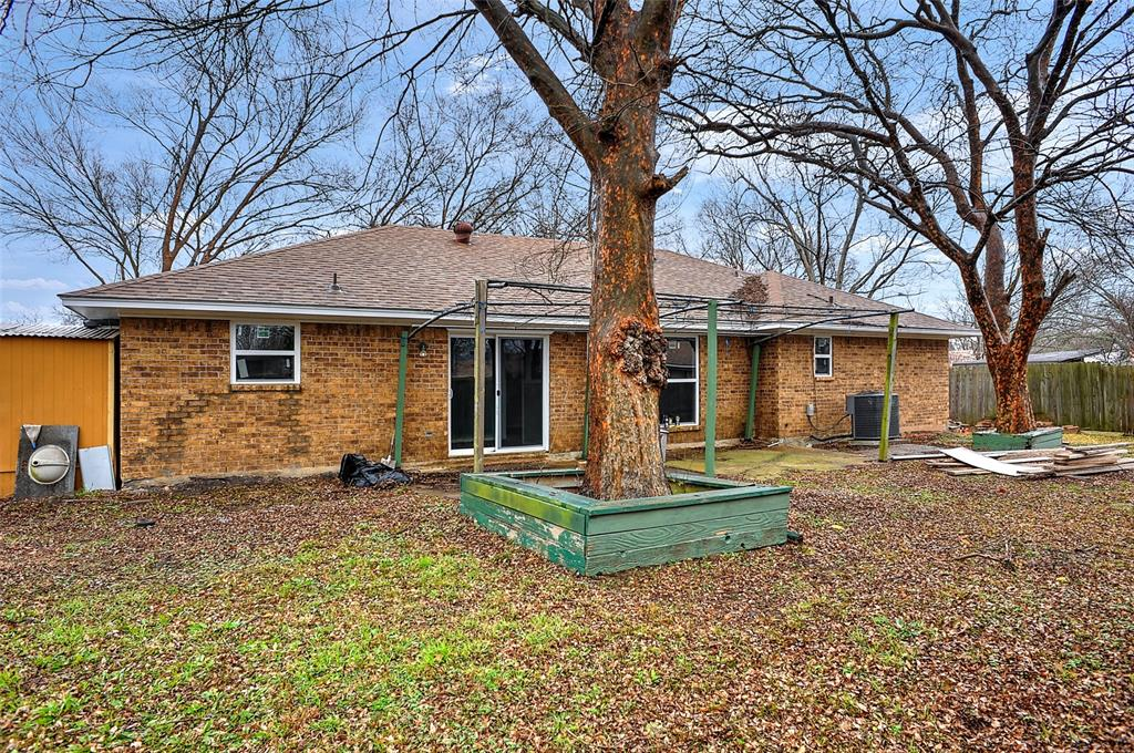 3106 Arkansas Circle, Sherman, Texas 75090 - acquisto real estate best plano real estate agent mike shepherd