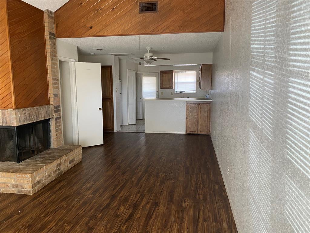 616 Cousins Lane, Arlington, Texas 76012 - acquisto real estate best prosper realtor susan cancemi windfarms realtor
