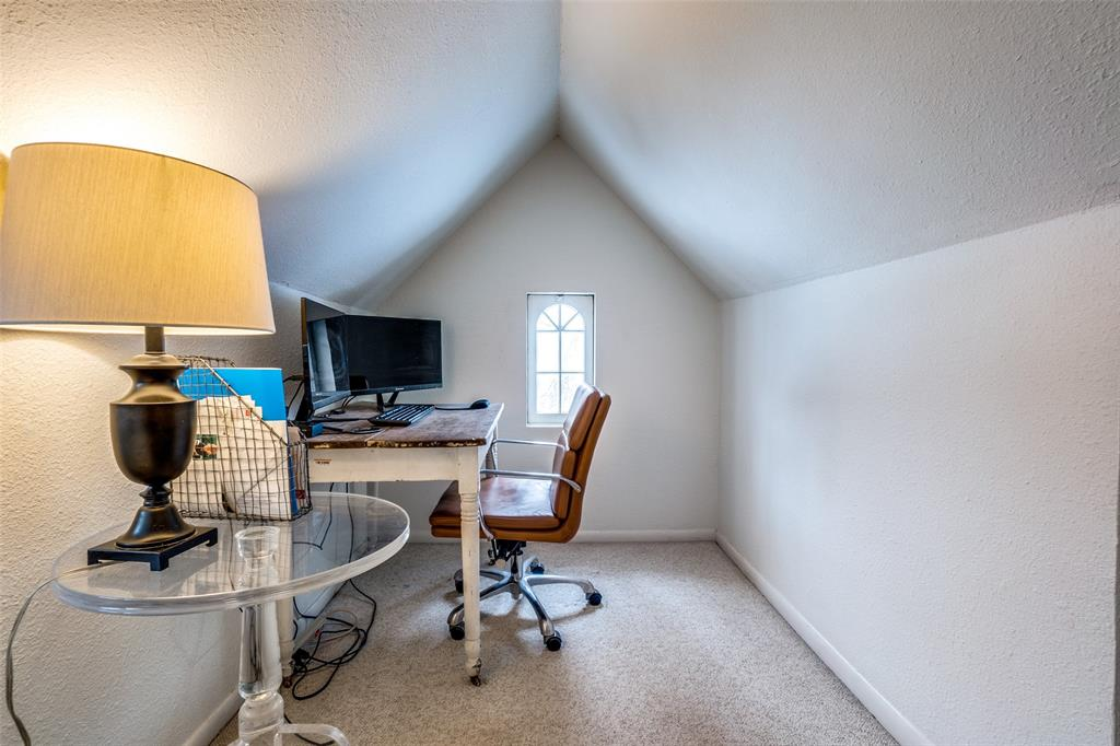 5827 Morningside Avenue, Dallas, Texas 75206 - acquisto real estate best frisco real estate agent amy gasperini panther creek realtor