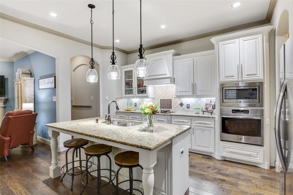 3920 Brookridge Court, Bedford, Texas 76021 - acquisto real estate best celina realtor logan lawrence best dressed realtor