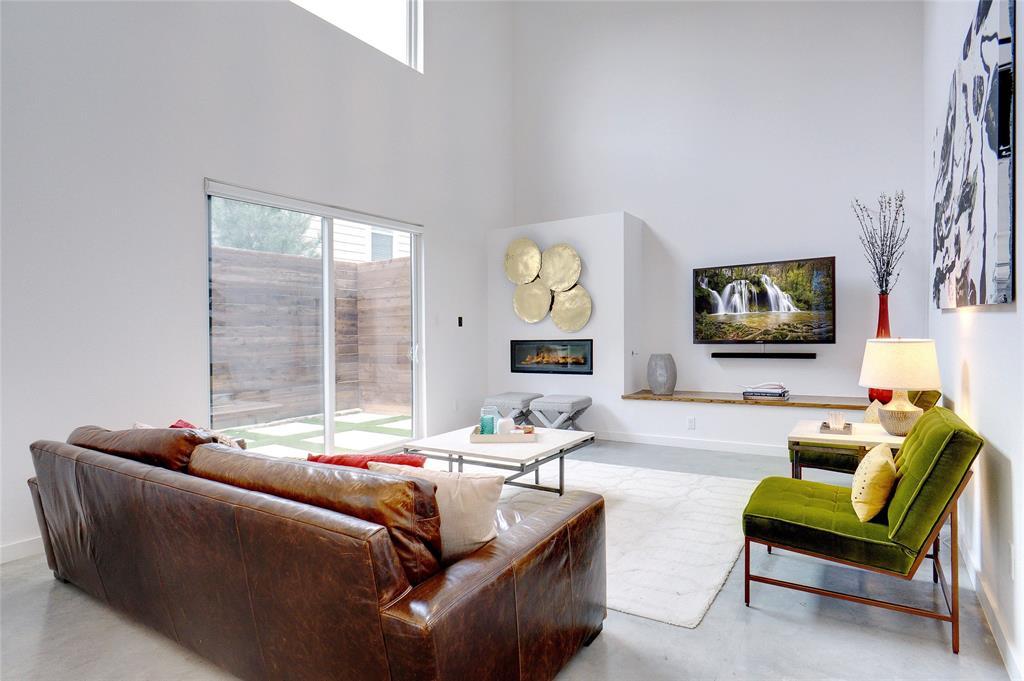 3824 Pine Tree Court, Dallas, Texas 75206 - acquisto real estate best the colony realtor linda miller the bridges real estate