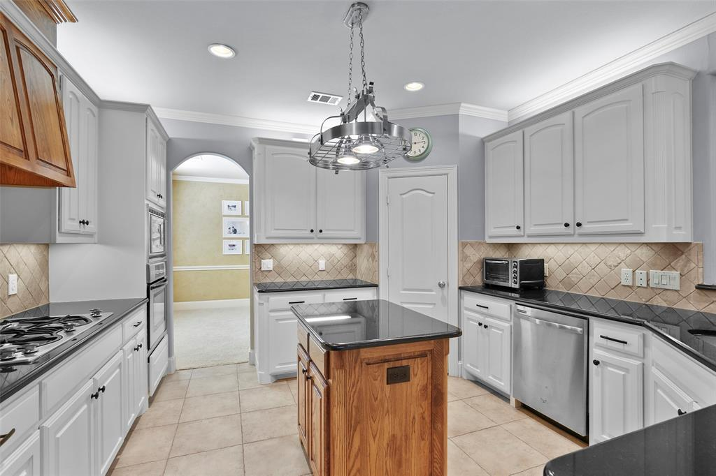827 Canterbury Drive, Rockwall, Texas 75032 - acquisto real estate best flower mound realtor jody daley lake highalands agent of the year