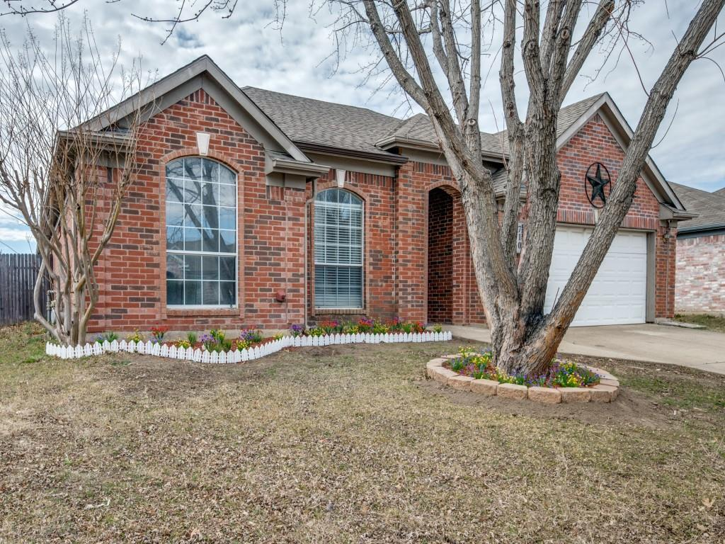 710 Gentry Drive, Arlington, Texas 76018 - Acquisto Real Estate best plano realtor mike Shepherd home owners association expert