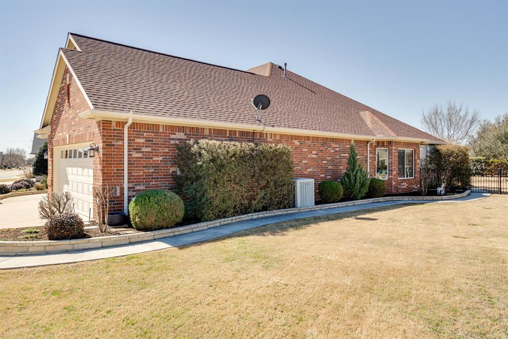 9004 Freeport Drive, Denton, Texas 76207 - acquisto real estate best allen realtor kim miller hunters creek expert