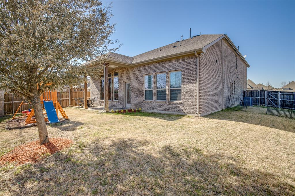 701 Spring Falls Drive, McKinney, Texas 75071 - acquisto real estate best frisco real estate agent amy gasperini panther creek realtor