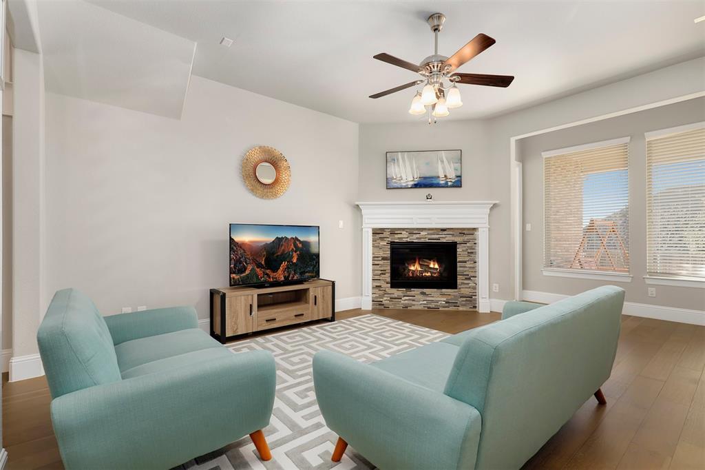 300 Ridgewood Drive, Lewisville, Texas 75067 - acquisto real estate best highland park realtor amy gasperini fast real estate service