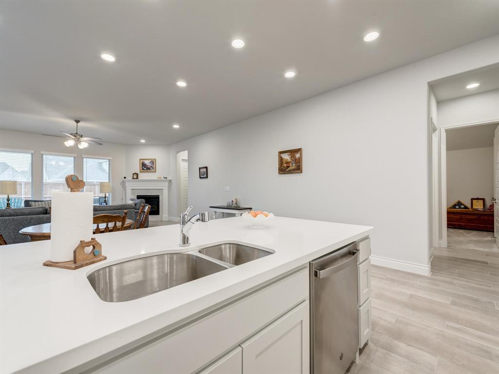 1009 Queens Lake Trail, McKinney, Texas 75071 - acquisto real estate best luxury buyers agent in texas shana acquisto inheritance realtor