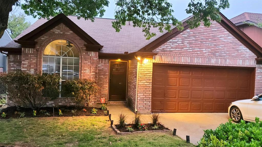 1104 Brewer Drive, Cedar Hill, Texas 75104 - Acquisto Real Estate best plano realtor mike Shepherd home owners association expert
