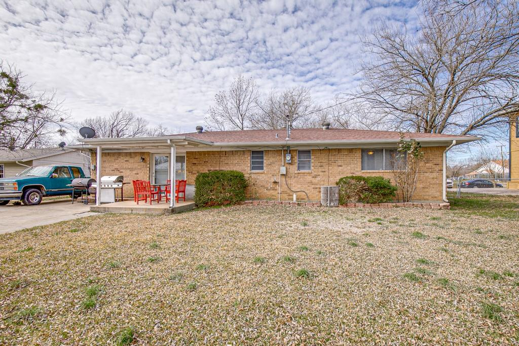 2502 Pecan Street, Commerce, Texas 75428 - acquisto real estate best realtor westlake susan cancemi kind realtor of the year