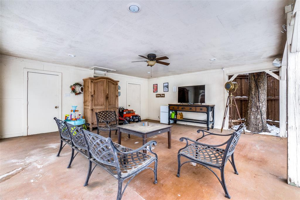 5827 Morningside Avenue, Dallas, Texas 75206 - acquisto real estate best park cities realtor kim miller best staging agent