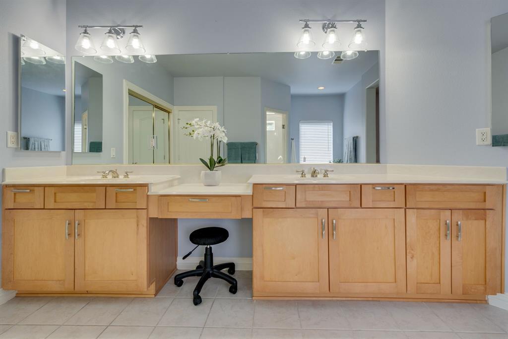 10901 Sandstone  Drive, Denton, Texas 76207 - acquisto real estate best photo company frisco 3d listings