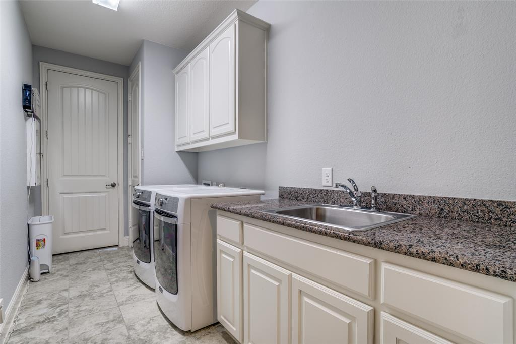 4135 Sanders Drive, Celina, Texas 75009 - acquisto real estaet best boutique real estate firm in texas for high net worth sellers