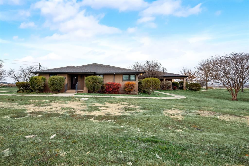 469 Pioneer Road, Rhome, Texas 76078 - acquisto real estate best realtor dallas texas linda miller agent for cultural buyers
