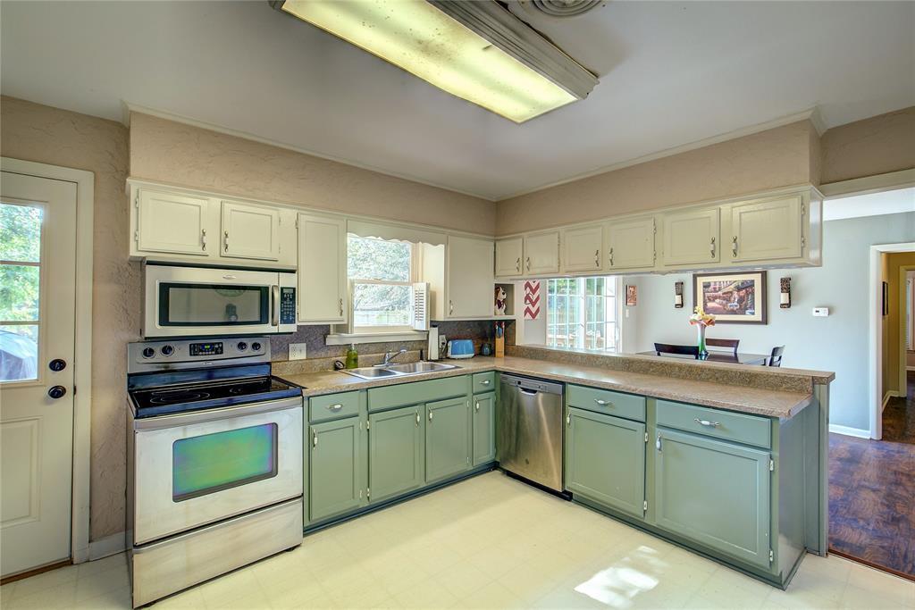 512 Davis Street, Sulphur Springs, Texas 75482 - acquisto real estate best listing listing agent in texas shana acquisto rich person realtor