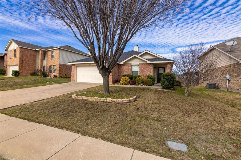 4860 Parkview Hills Lane, Fort Worth, Texas 76179 - acquisto real estate best allen realtor kim miller hunters creek expert
