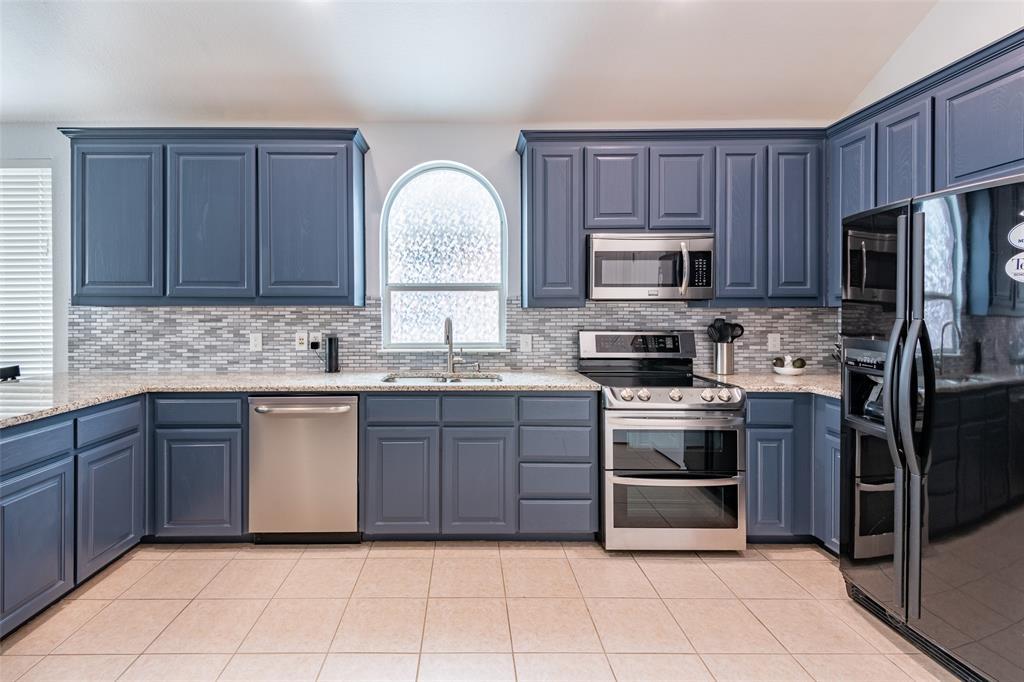 9736 Burwell  Drive, Fort Worth, Texas 76244 - acquisto real estate best allen realtor kim miller hunters creek expert