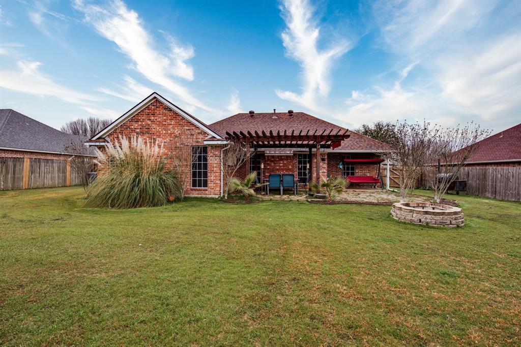 305 Blackmon Trail, Bells, Texas 75414 - acquisto real estate best realtor dfw jody daley liberty high school realtor