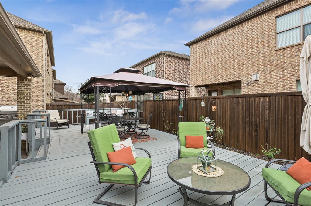 3920 Brookridge Court, Bedford, Texas 76021 - acquisto real estate best plano real estate agent mike shepherd