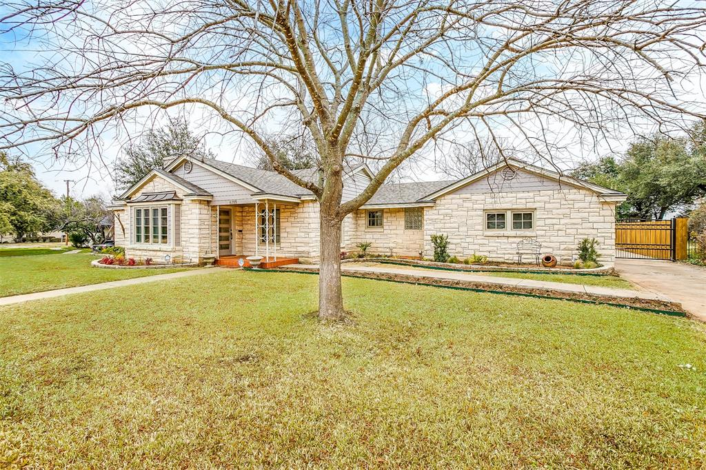 6355 Greenway Road, Fort Worth, Texas 76116 - Acquisto Real Estate best plano realtor mike Shepherd home owners association expert