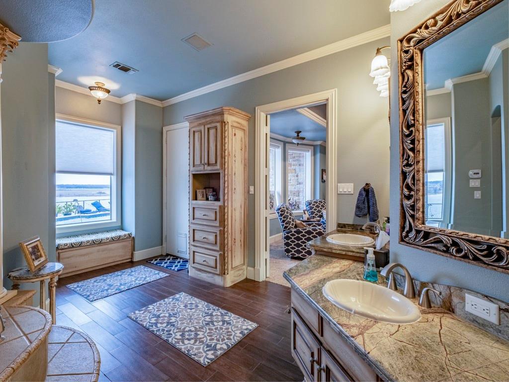 2305 Alexa Court, Granbury, Texas 76048 - acquisto real estate best investor home specialist mike shepherd relocation expert