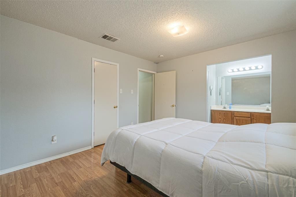 4545 Posada Drive, Dallas, Texas 75211 - acquisto real estate best photos for luxury listings amy gasperini quick sale real estate