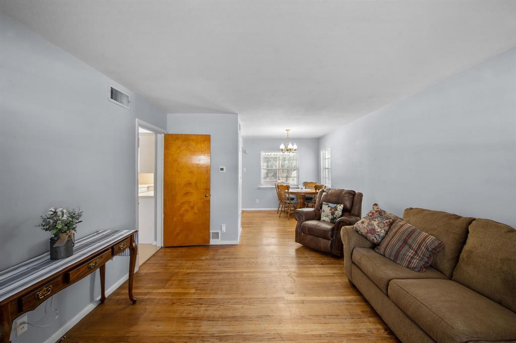 1824 Naylor Street, Dallas, Texas 75228 - acquisto real estate best celina realtor logan lawrence best dressed realtor