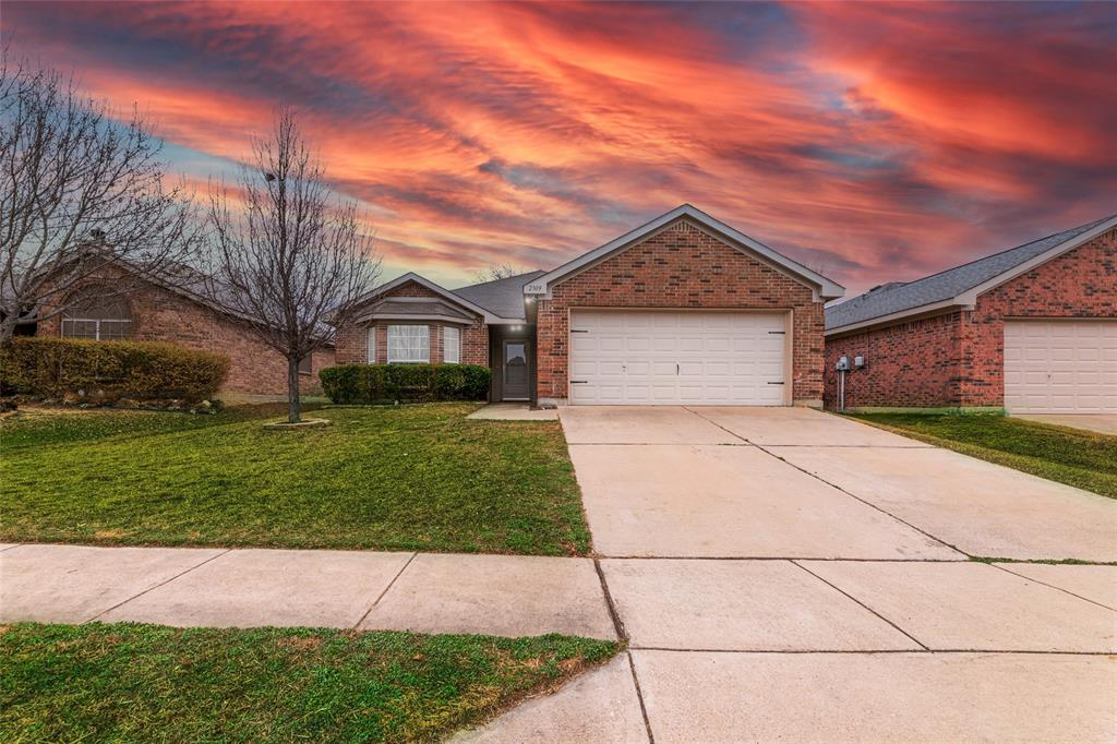 2309 Halladay Trail, Fort Worth, Texas 76108 - Acquisto Real Estate best plano realtor mike Shepherd home owners association expert