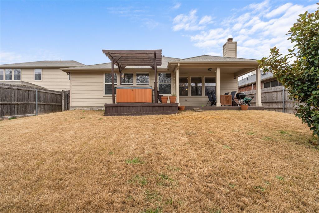 2737 Laurel Oak Drive, McKinney, Texas 75071 - acquisto real estate best realtor foreclosure real estate mike shepeherd walnut grove realtor
