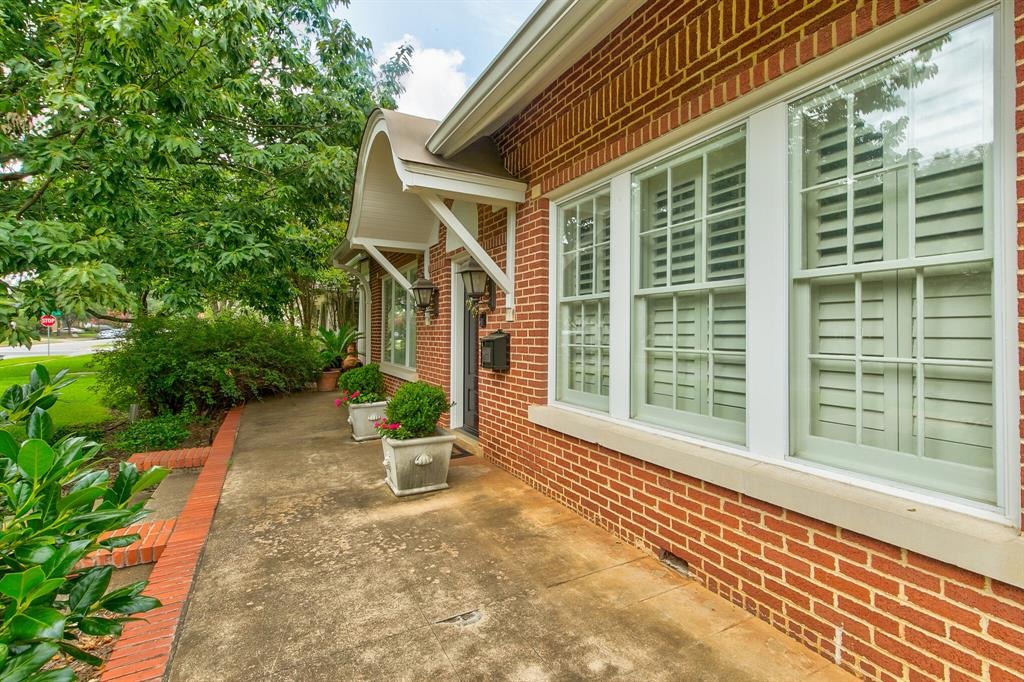 2434 Wabash Avenue, Fort Worth, Texas 76109 - acquisto real estate best the colony realtor linda miller the bridges real estate