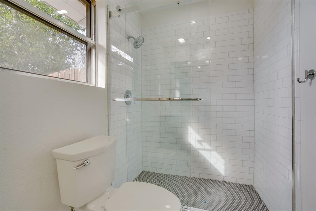 400 Plainview Drive, Hurst, Texas 76054 - acquisto real estate best listing photos hannah ewing mckinney real estate expert