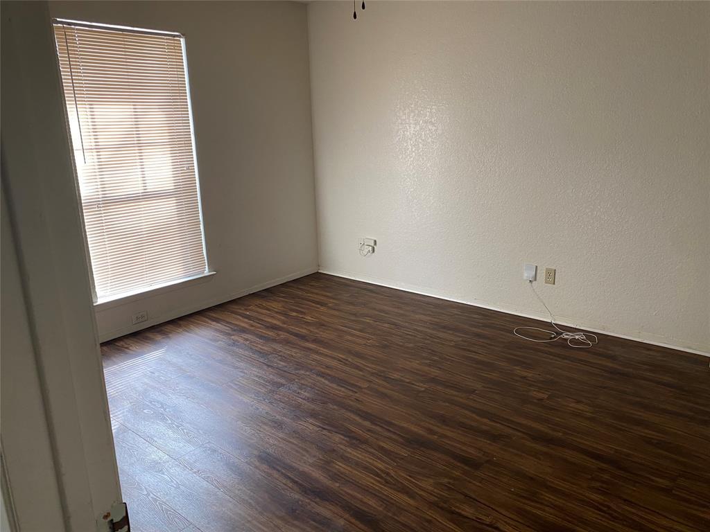 616 Cousins Lane, Arlington, Texas 76012 - acquisto real estate best celina realtor logan lawrence best dressed realtor