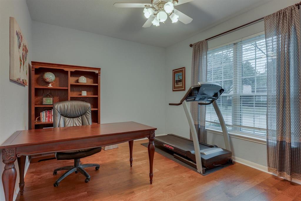 5821 Cypress Cove Drive, The Colony, Texas 75056 - acquisto real estate best prosper realtor susan cancemi windfarms realtor