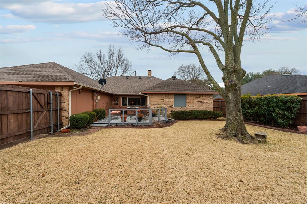 3901 Thornhill Way, Rowlett, Texas 75088 - acquisto real estate best frisco real estate agent amy gasperini panther creek realtor