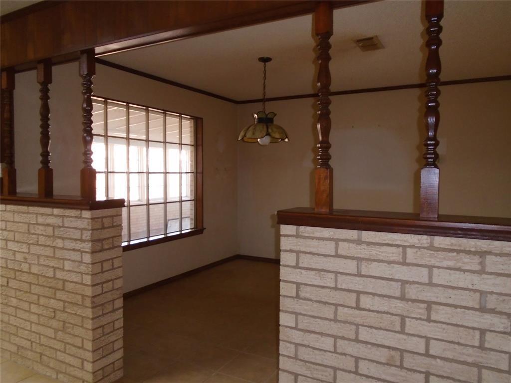 112 Ricky Lane, Burleson, Texas 76028 - acquisto real estate best highland park realtor amy gasperini fast real estate service