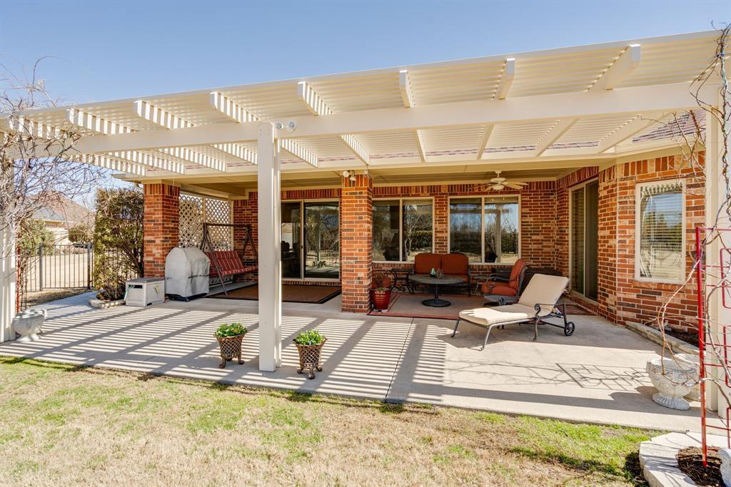 9004 Freeport Drive, Denton, Texas 76207 - acquisto real estate best negotiating realtor linda miller declutter realtor