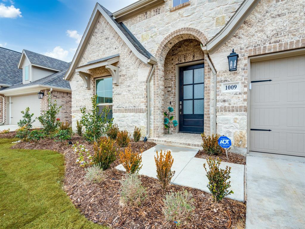 1009 Queens Lake Trail, McKinney, Texas 75071 - acquisto real estate best the colony realtor linda miller the bridges real estate