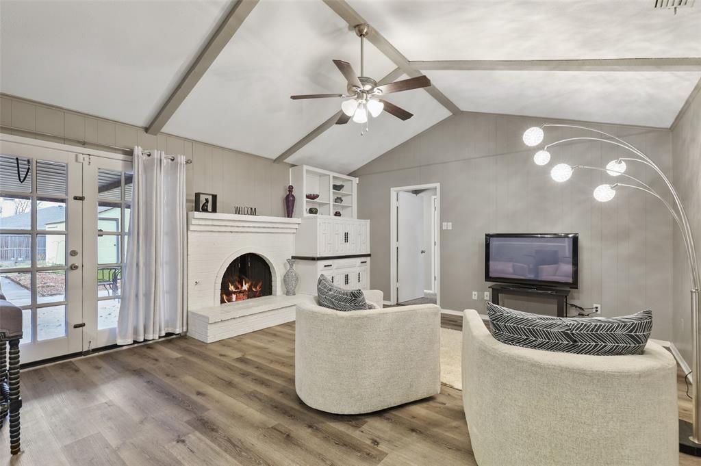 1413 Kingsbridge Drive, Garland, Texas 75044 - Acquisto Real Estate best mckinney realtor hannah ewing stonebridge ranch expert