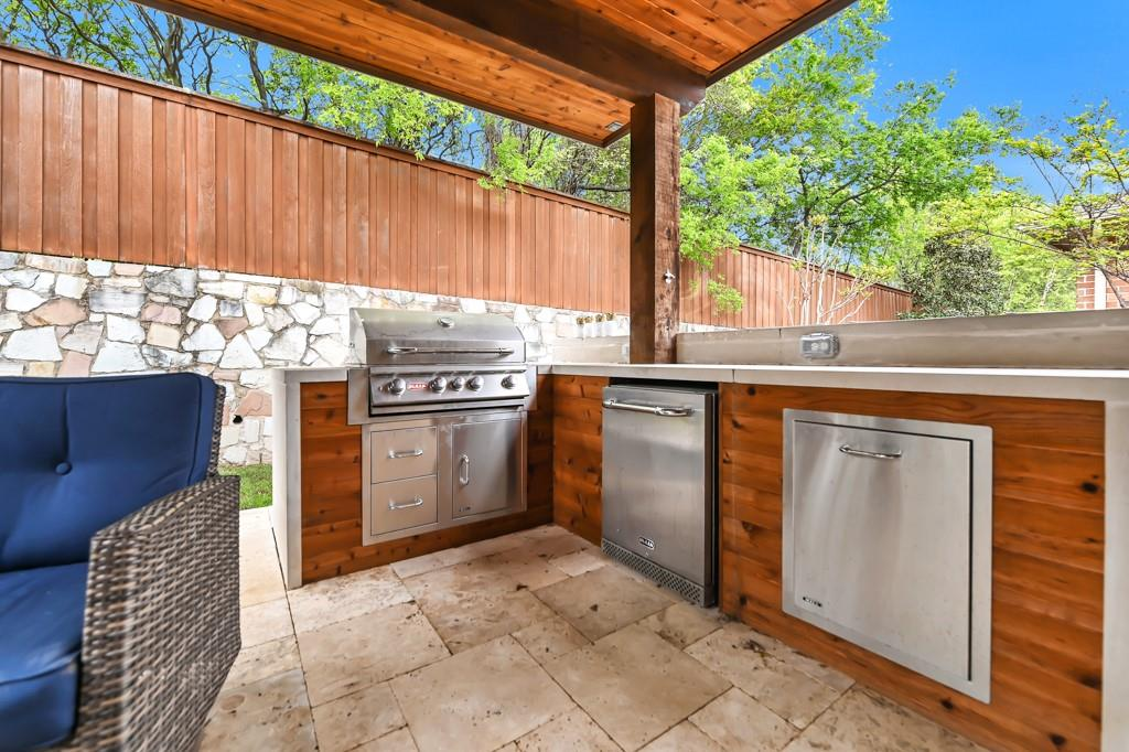 1404 Steepleview Lane, McKinney, Texas 75069 - acquisto real estate best park cities realtor kim miller best staging agent