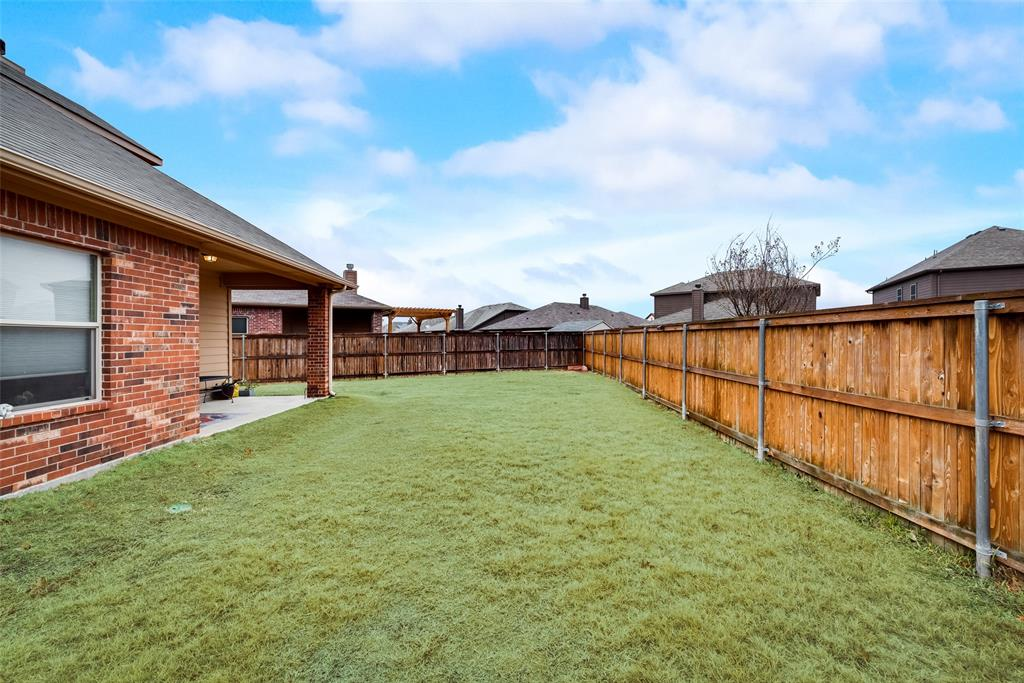10928 Hawks Landing Road, Fort Worth, Texas 76052 - acquisto real estate best plano real estate agent mike shepherd