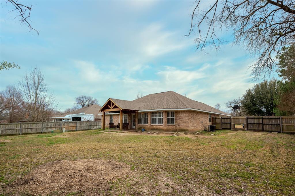 1108 LINDA Lane, Greenville, Texas 75402 - acquisto real estate best listing photos hannah ewing mckinney real estate expert