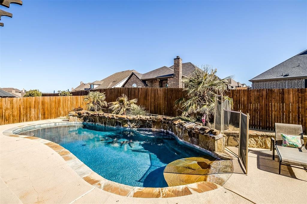 157 Diablo Drive, Burleson, Texas 76028 - acquisto real estate agent of the year mike shepherd